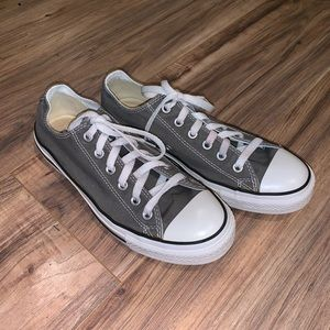 Converse Low Chuck Taylor Sneaker Shoes 7 / 9